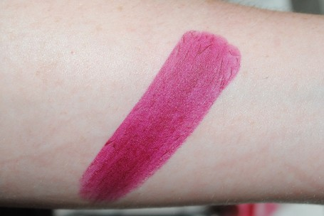 tom-ford-matte-lipstick-swatch-black-dahlia