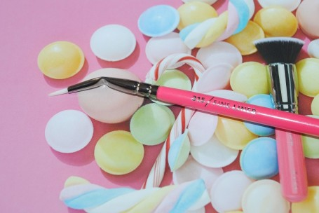 zoeva-pink-elements-315-fine-liner