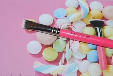zoeva-pink-elements-322-brow-line