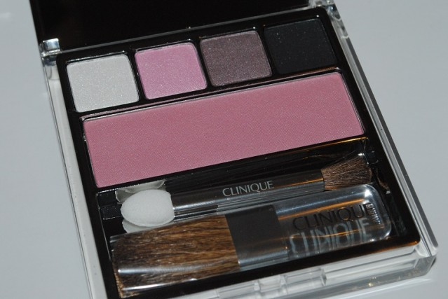 Clinique-Nutcracker-Palette-Swatches-act-i-snowflakes-suite