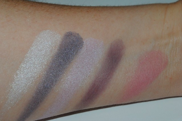Clinique-Nutcracker-Palette-Swatches-act-ii-sugar-plum-suite-2