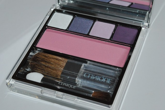 Clinique-Nutcracker-Palette-Swatches-act-ii-sugar-plum-suite