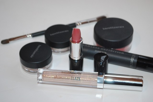 bare-minerals-in-the-spotlight-kit-review-2
