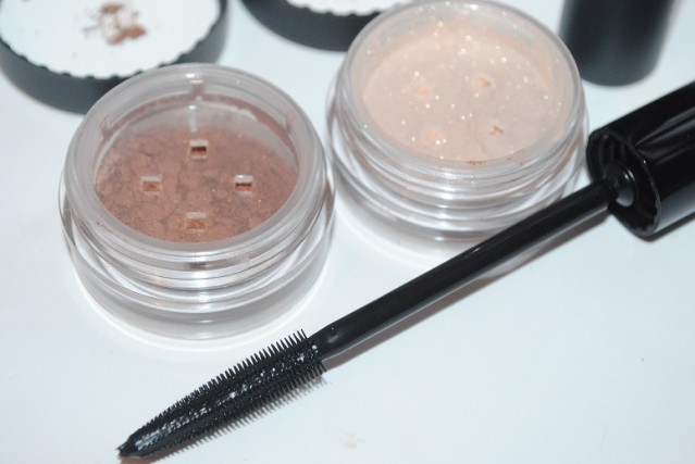 bare-minerals-in-the-spotlight-kit-review-3