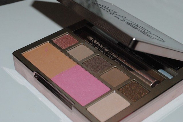 urban-decay-naked-on-the-run-swatches-4