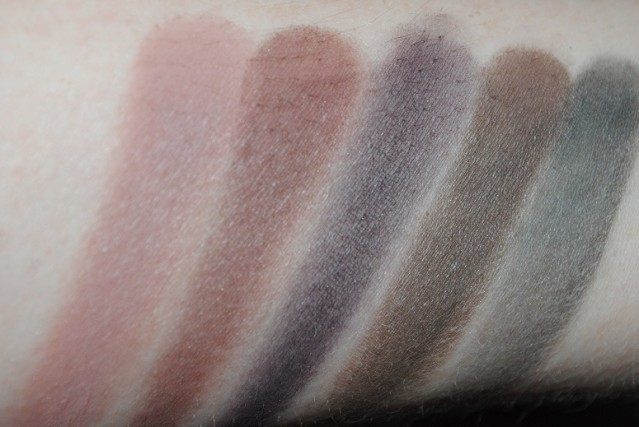 zoeva-smoky-palette-swatches-2