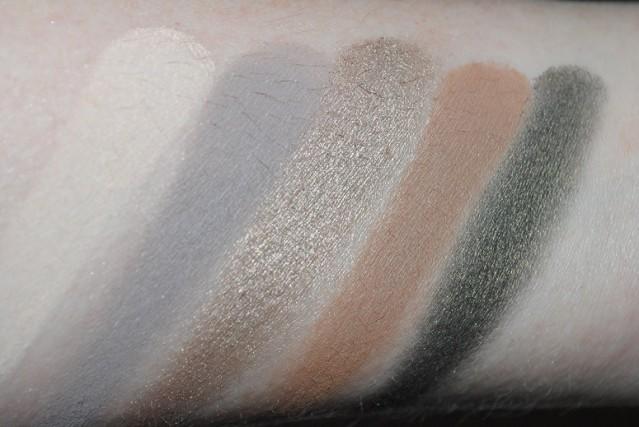 zoeva-smoky-palette-swatches