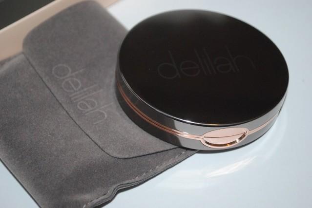delilah-cosmetics-matte-bronzer-review