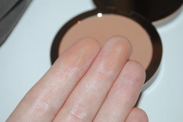 delilah-cosmetics-matte-bronzer-swatch-medium