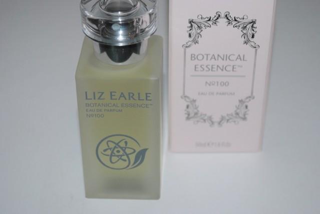liz-earle-botanical-essence-100-review-4