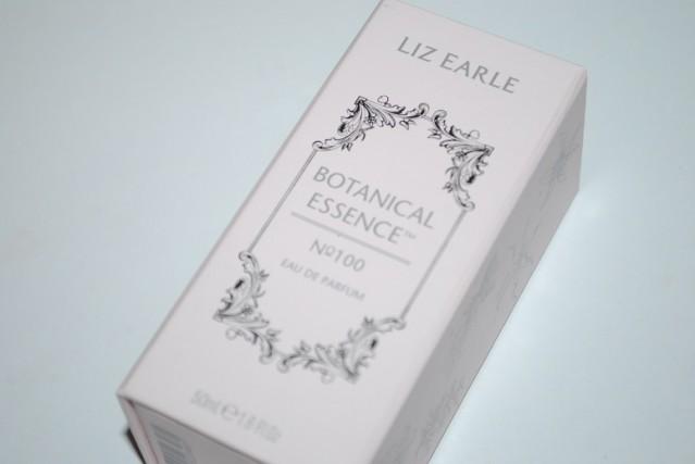 liz-earle-botanical-essence-100-review