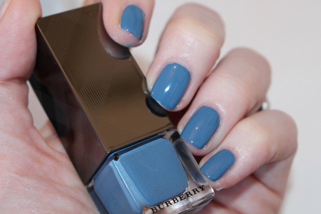 burberry-beauty-spring-2015-nails-swatch-stone-blue-431