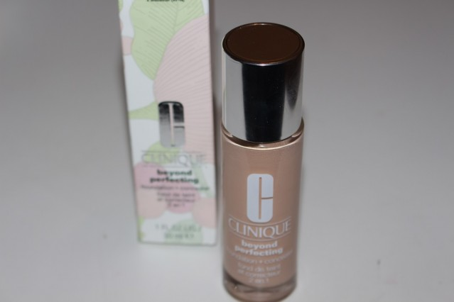 clinique-beyond-perfecting-foundation-concealer-review-2