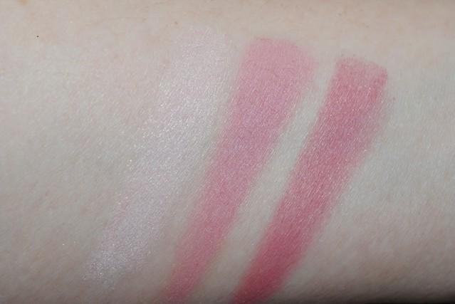 clinique-sculptionary-cheek-contouring-palette-swatch-02-defining-berries