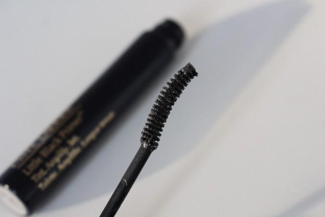 estee-lauder-little-black-primer-review-brush
