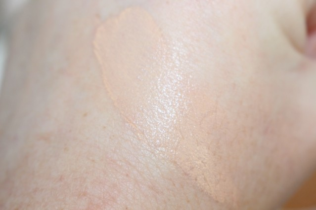 lancome-miracle-cushion-swatch-02