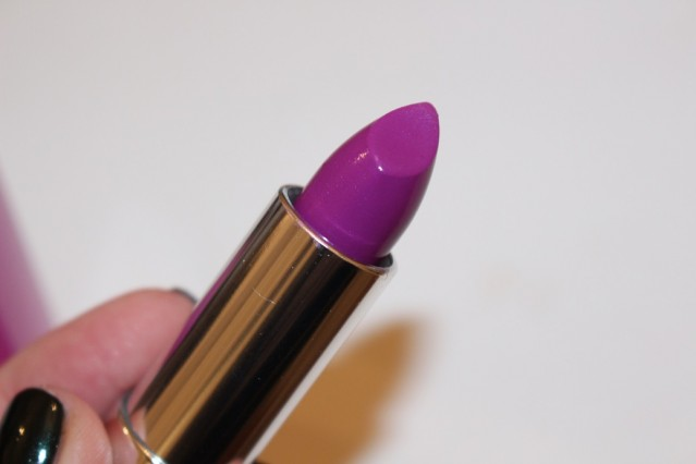 maybelline-color-sensational-rebel-bloom-lipstick-review-orchid-ecstasy-3