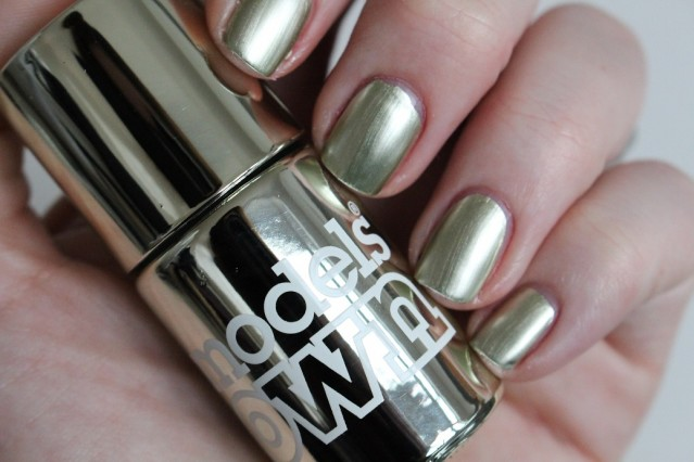 models-own-colour-chrome-swatch-olive