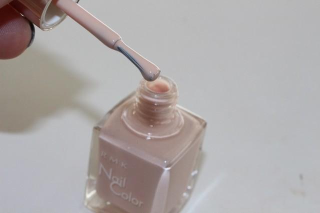 rmk-vintage-sweets-nail-color-ex-26-smoky-beige