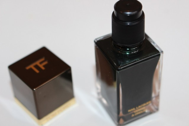 tom-ford-Nail-Lacquer-Black-Jade-review-3