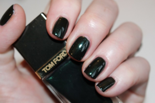 tom-ford-Nail-Lacquer-Black-Jade-swatch