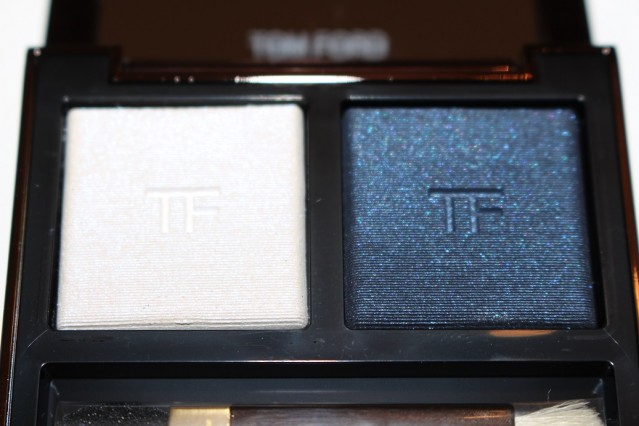 tom-ford-spring-2015-eye-color-duo-review-crushed-indigo-flash