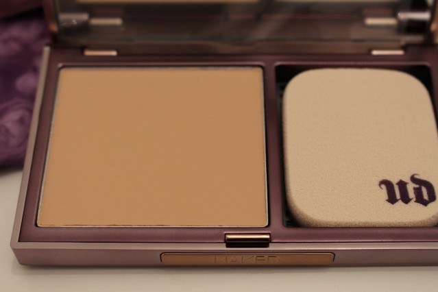 urban-decay-naked-skin-ultra-definition-powder-foundation-light-neutral