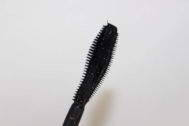 gosh-no-limits-lash-mascara-review-brush