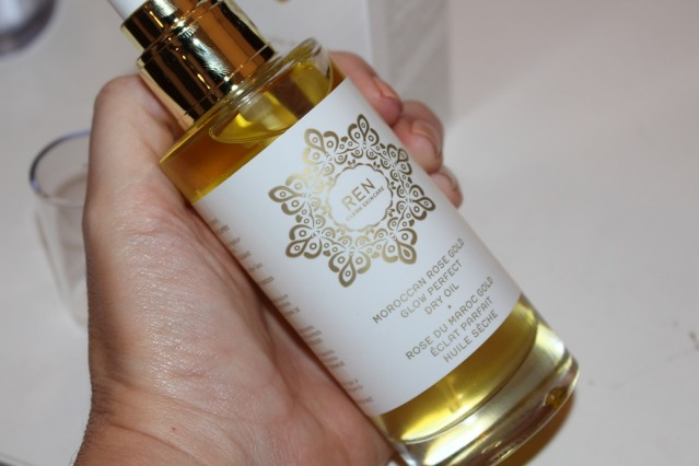 ren-moroccan-rose-gold-glow-perfect-dry-oil-review-2