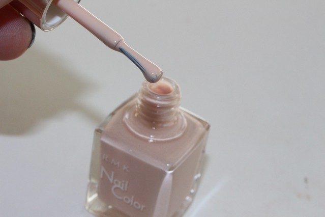 rmk-vintage-sweets-nail-color-ex-26-smoky-beige