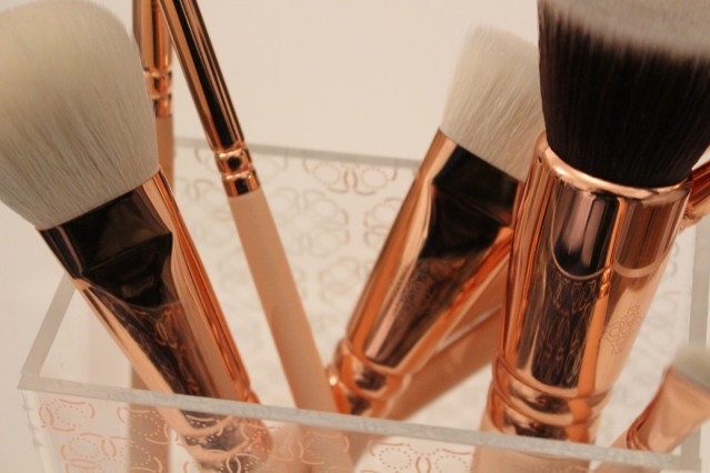 zoeva-brush-holder-rose-golden-review-2