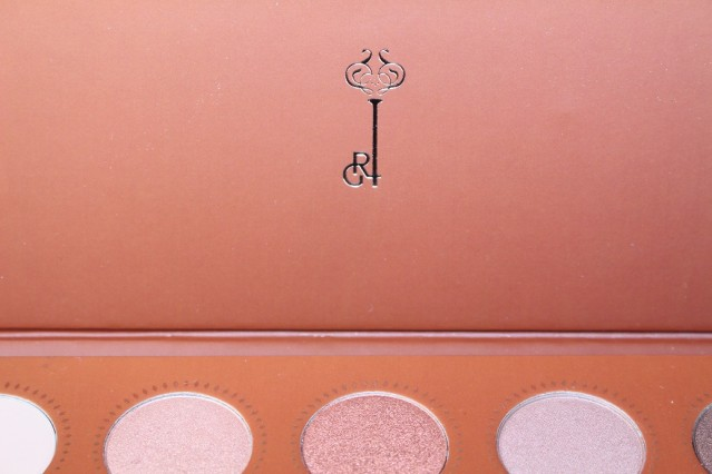 zoeva-rose-golden-palette-review-2