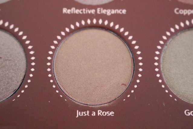 zoeva-rose-golden-palette-review-just-a-rose
