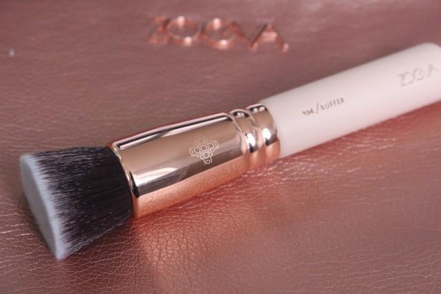 zoeva-rose-golden-vol-2-104-buffer-brush