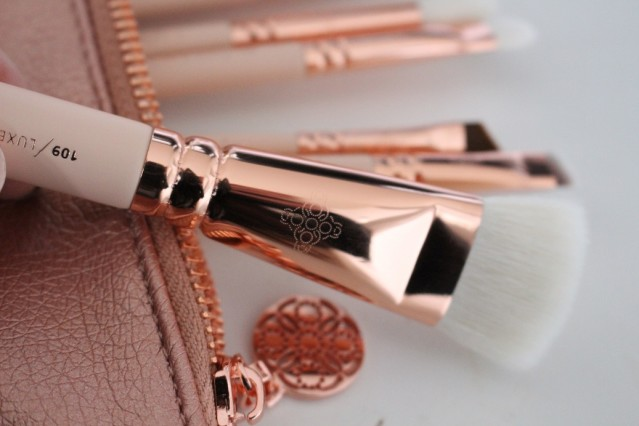 zoeva-rose-golden-vol-2-luxury-brush-set-review-7