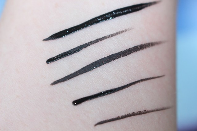 bourjois-liner-pinceau-liquid-liner-ultra-black-swatches