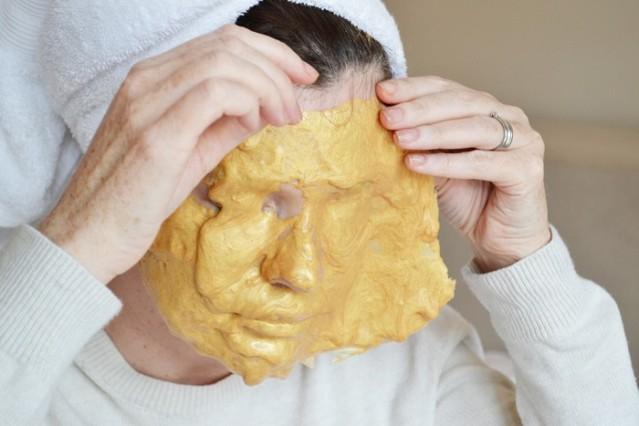 casmara-rejuvenating-peel-off-mask-kit-review-4