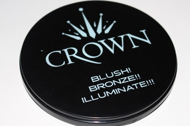 crown-brush-blush-bronze-illuminate-palette-review-3