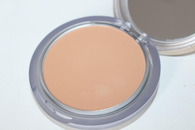 eve-lom-radiant-glow-cream-foundation-review-2