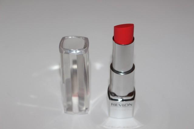 revlon-ultra-hd-lipstick-review