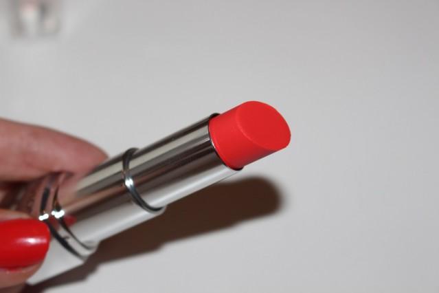 revlon-ultra-hd-lipstick-review-geranium