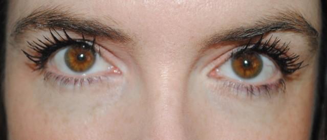Rimmel-wonder-full-wake-me-up-mascara-review-after-2-coats