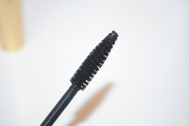 aerin-mascara-review-brush