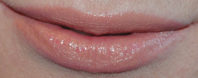 butter-london-lippy-bloody-brilliant-lip-crayon-swatch-tea-with-the-queen