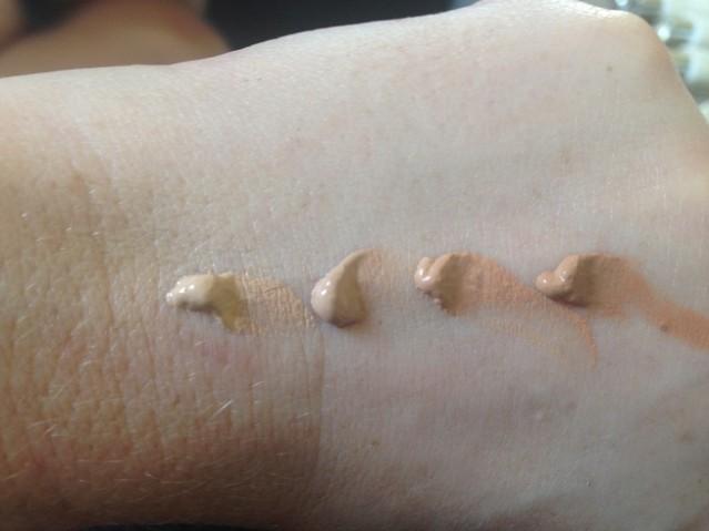 creme-de-la-mer-reparative-skin-tint-spf30-swatches