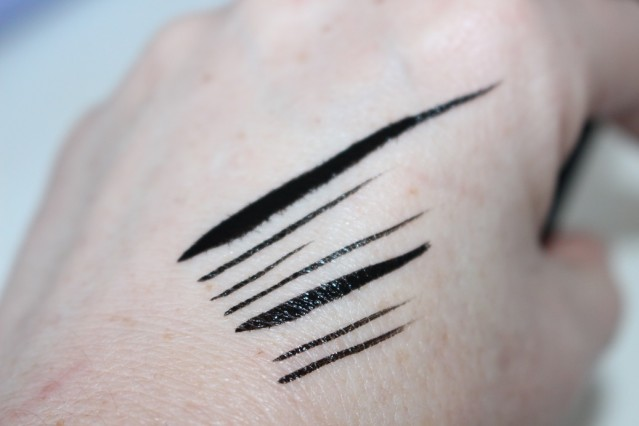 l'oreal-paris-superstar-eyeliner-swatches