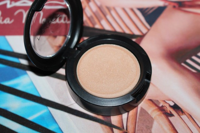 mac-mia-moretti-cream-colour-base-summer-wind-review