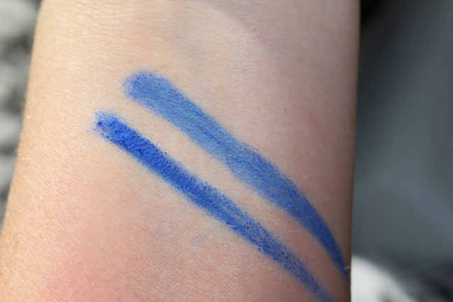 mac-philip-treacy-blue-wink-fluidline-swatch