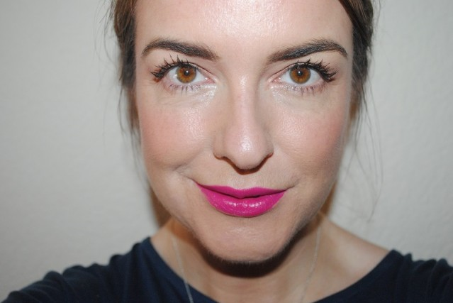mac-philip-treacy-hollywood-cerise-lipstick-swatch-2