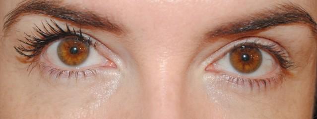 nyx-doll-eye-mascara-review-1-coat